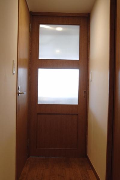 扉 (S邸・こだわりをたっぷり詰め込んだ、無垢材の温もり溢れる空間)