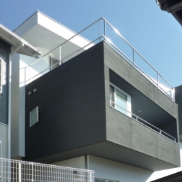 横須賀の住宅 (外観見上げ)
