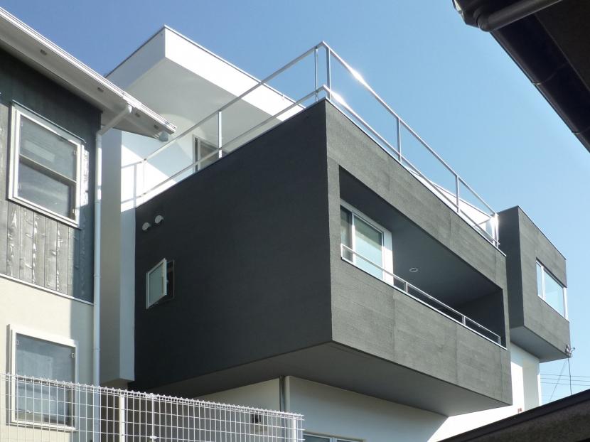 横須賀の住宅の写真 外観見上げ