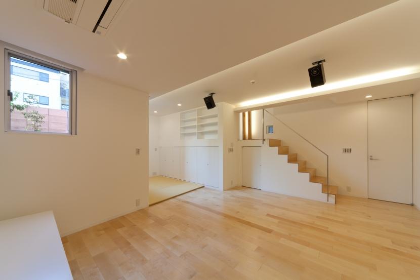 宮坂の二世帯住宅の写真 兄棟地下ホール