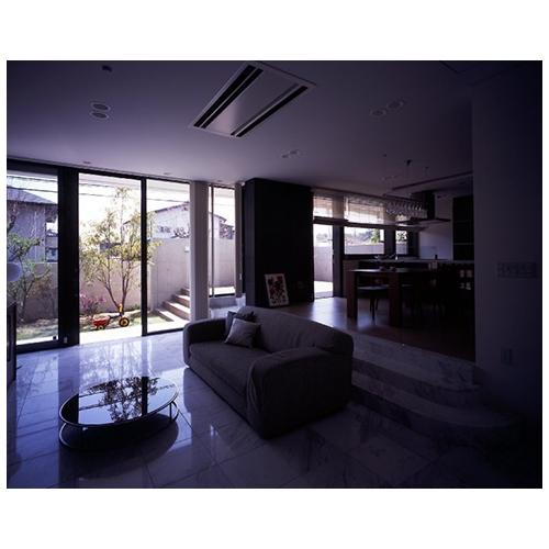 青山台の家の部屋 室内2