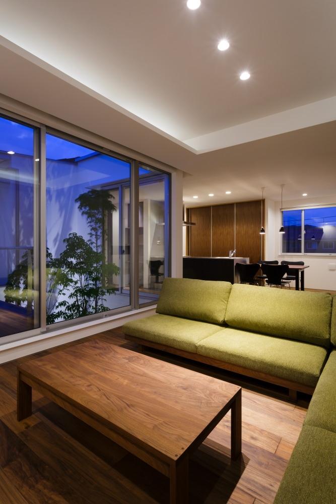 建築家:Mitsutoshi Okamoto「LIGHT COURT HOUSE」