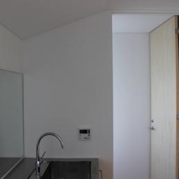 金沢文庫の家 (二階 洗面室)
