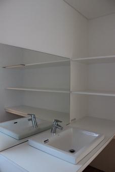 金沢文庫の家の写真 一階 洗面室
