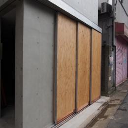 石神井台レジデンス (ガレージの扉)