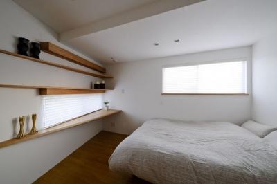 境南町の家 (寝室)