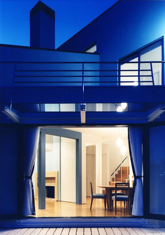 横浜の家の部屋 夜景/ダイニングルームを見る