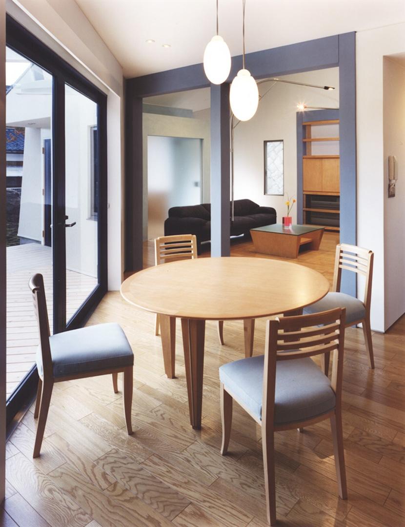 横浜の家の部屋 家族4人のためのオリジナルダイニングテーブル/ダイニングルーム