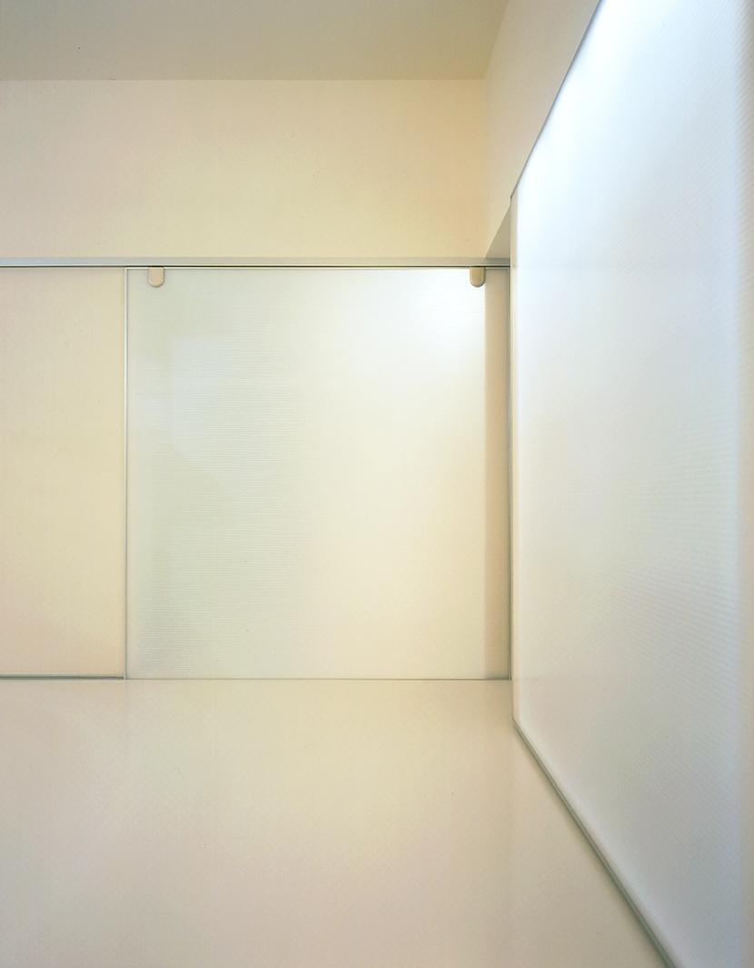 シルバーボックスの部屋 リビング光戸クローズ