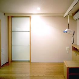 画家と母の家 (お母さんの寝室)