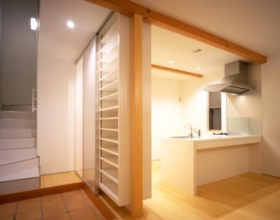 大和の家 (玄関ホール&キッチン)