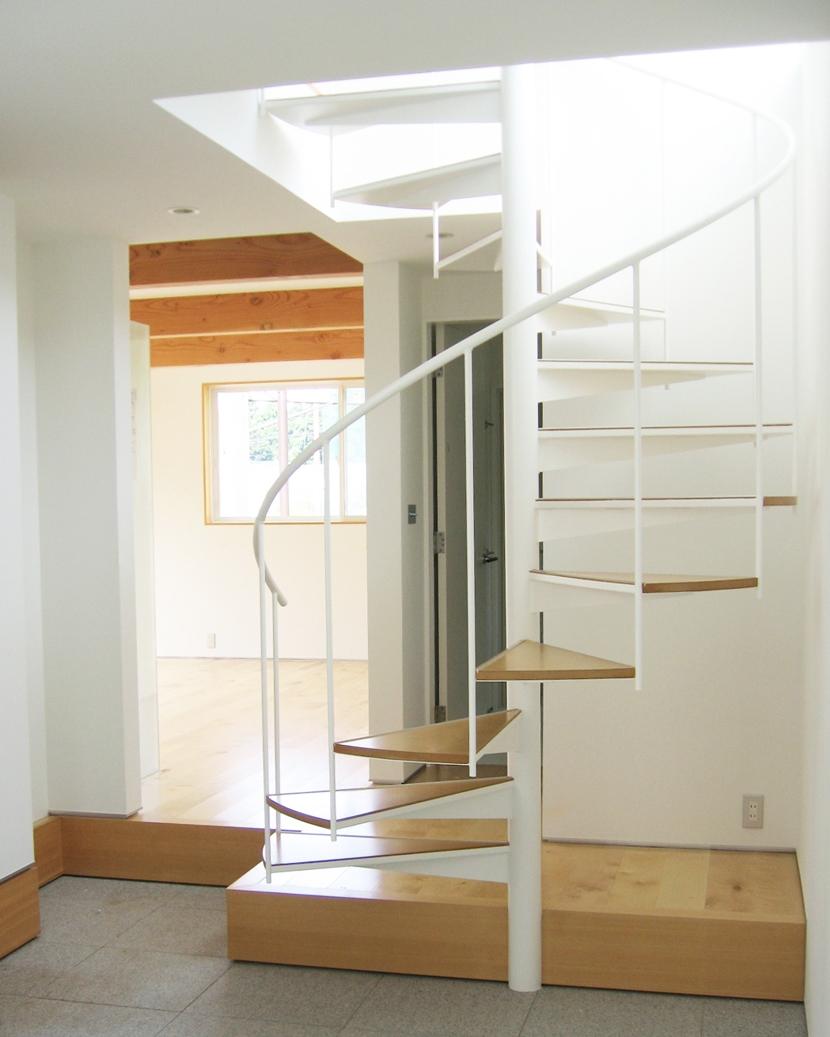 建築家:松山邦弘 / M D A「螺旋階段の家」