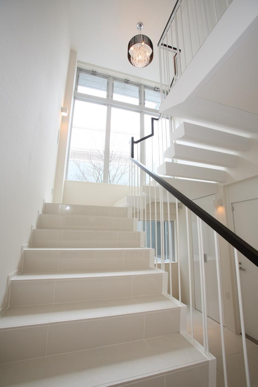世田谷の家の部屋 階段の吹抜け