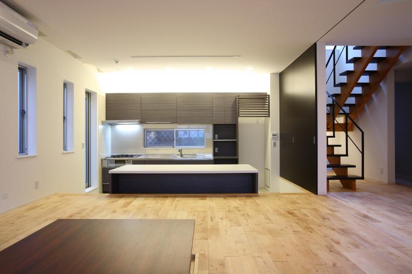相模原の家の部屋 座の空間