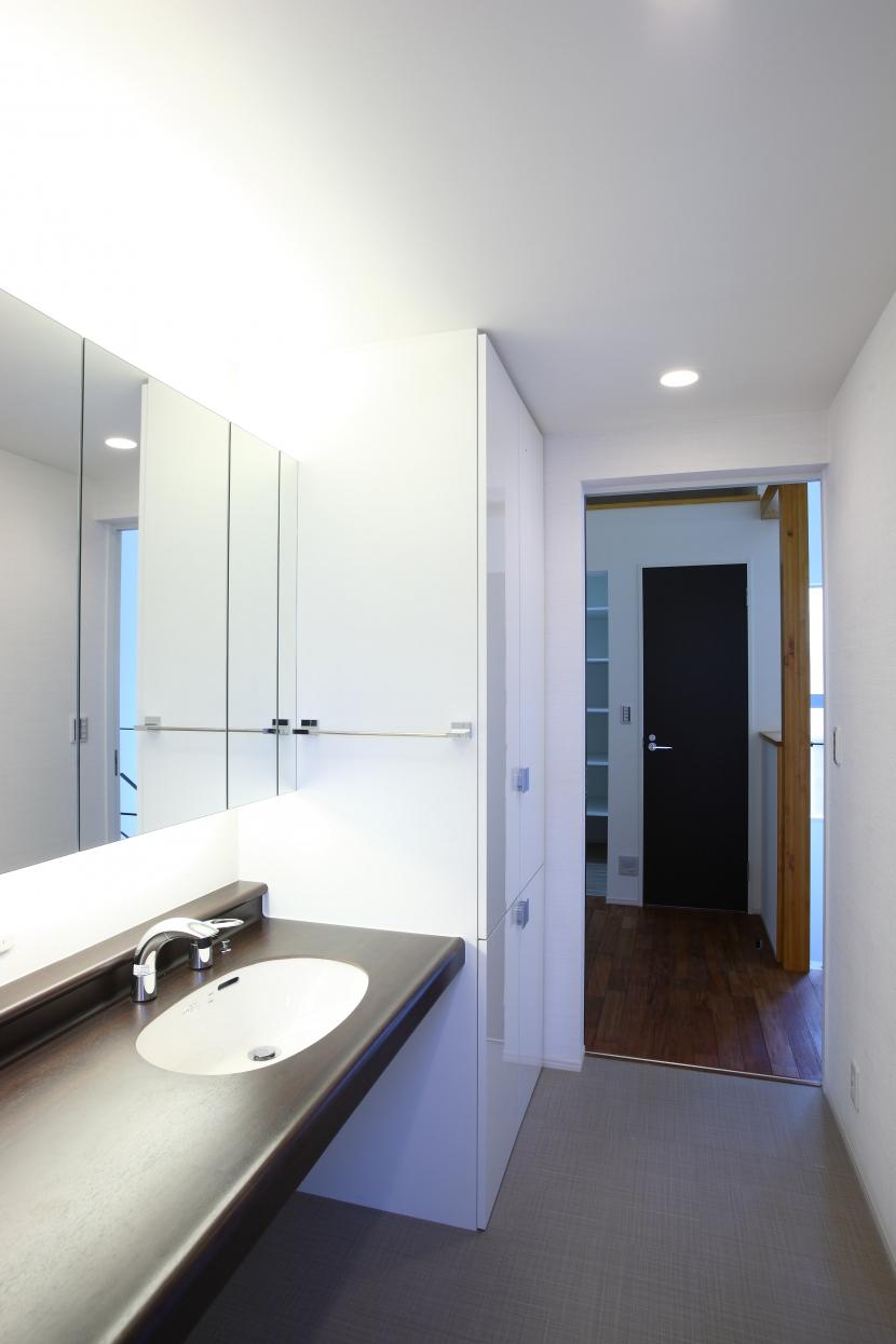 相模原の家の部屋 洗面室