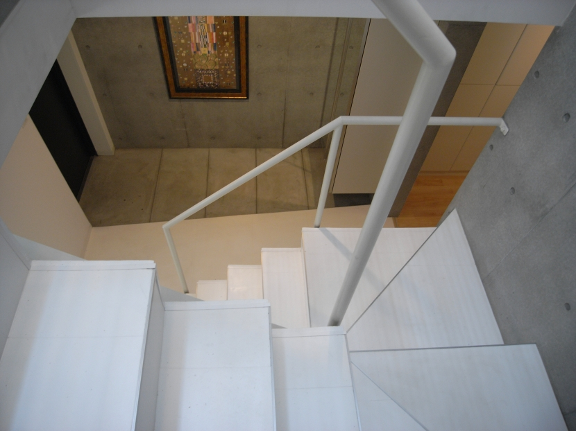 三田H邸の部屋 玄関と階段