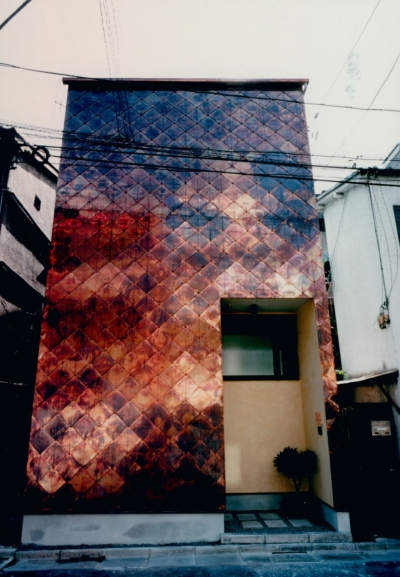 T House (銅板菱葺き)