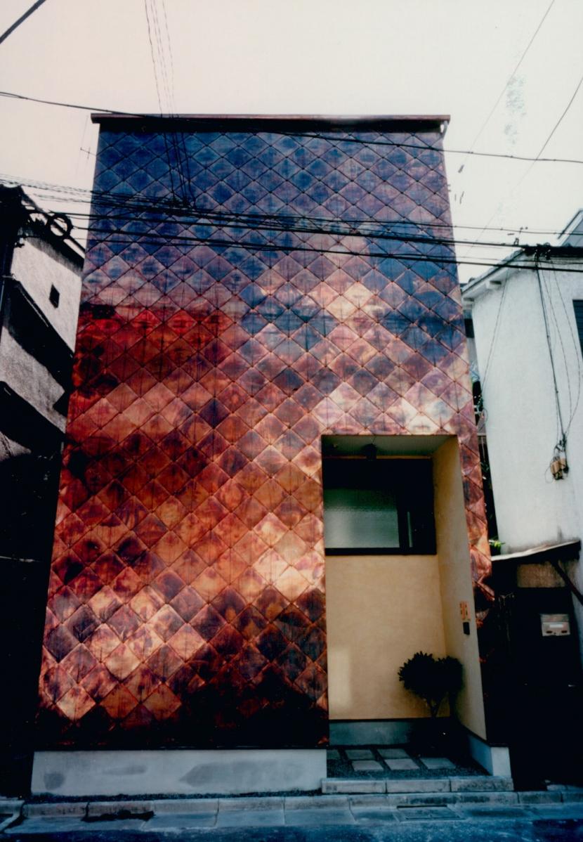 T Houseの写真 銅板菱葺き