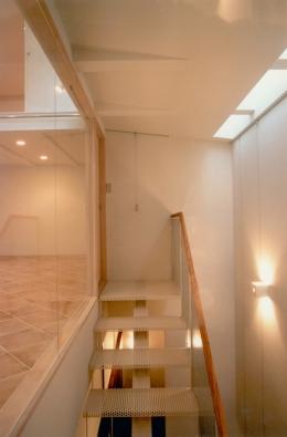 T House (階段)