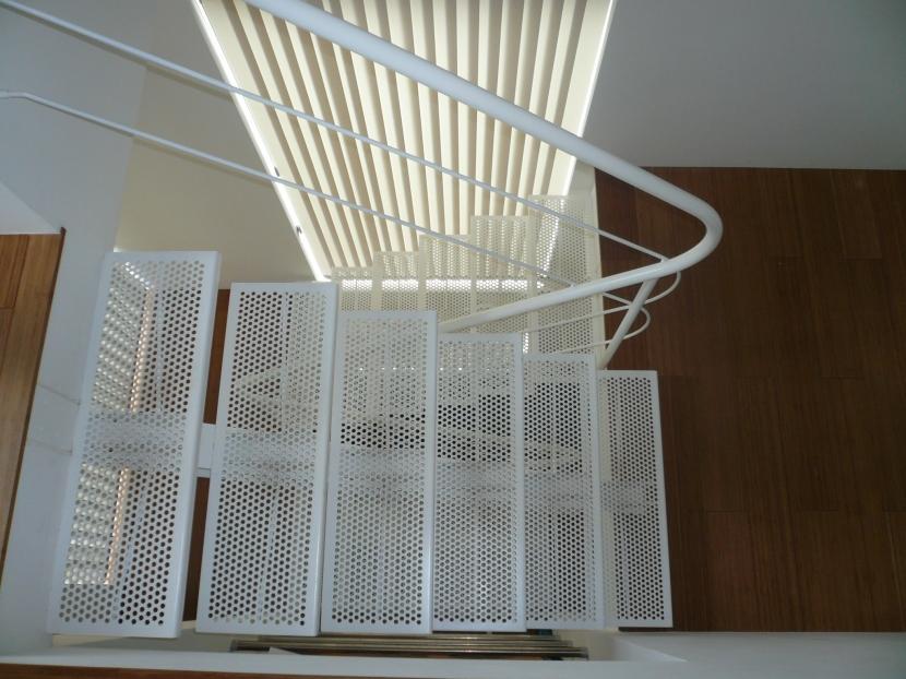 U Houseの部屋 階段