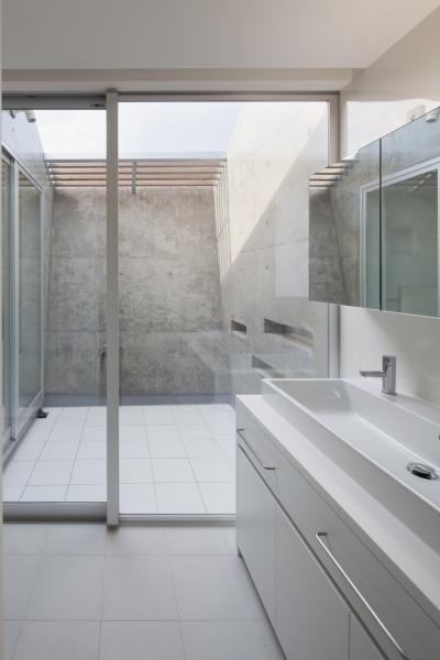 バスルーム (富士の住宅)