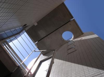 階段上部屋根 (代田橋プロジェクト)