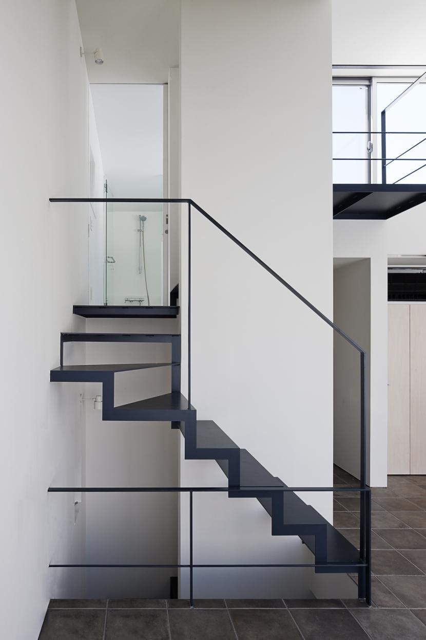 筒のいえの部屋 階段2