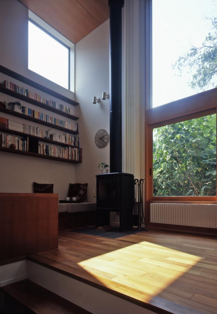 建築家:長浜信幸「森に臨むコートハウス」