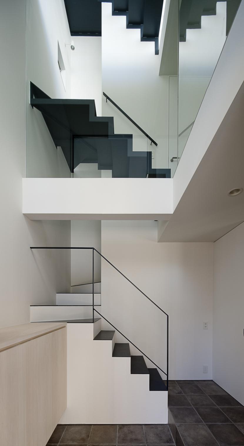 筒のいえの部屋 階段3