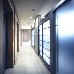企業本社屋のホールデザイン・リノベーション (ホール前パッセージ)