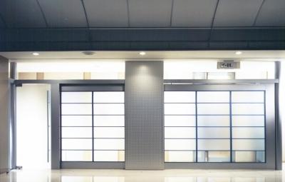 企業本社屋のホールデザイン・リノベーション (ホールからパッセージ側を見る・その1)