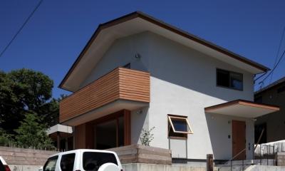 海を見下ろす高台の家