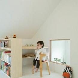 下馬の家 (白い空間)