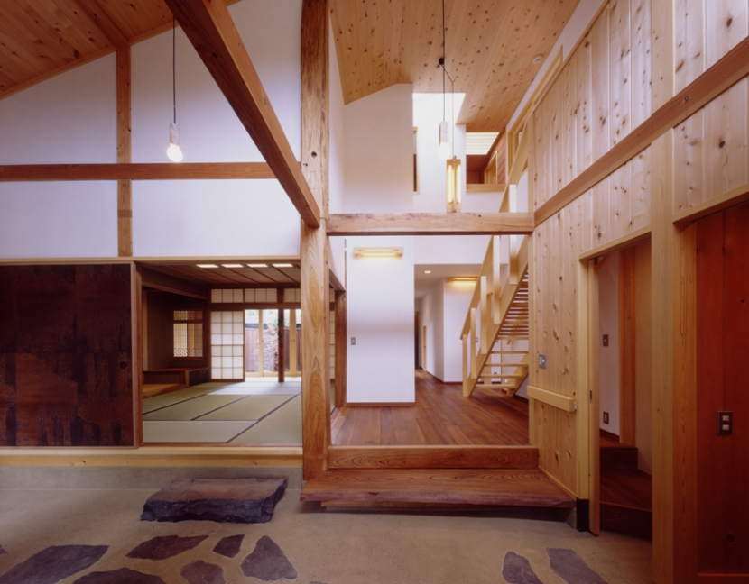 建築家:新井敏洋・眞理「里山の民家-古材再生」