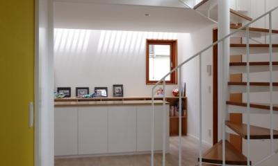 眺めの良いルーフテラスの家 (2階ホール)