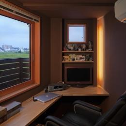 眺めの良いルーフテラスの家 (寝室奥の書斎)