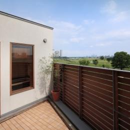 眺めの良いルーフテラスの家 (ルーフテラスに出られる浴室)