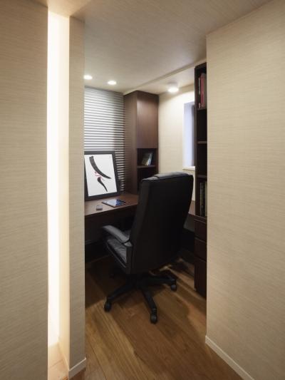 書斎スペース (リゾートホテルのような贅沢空間)