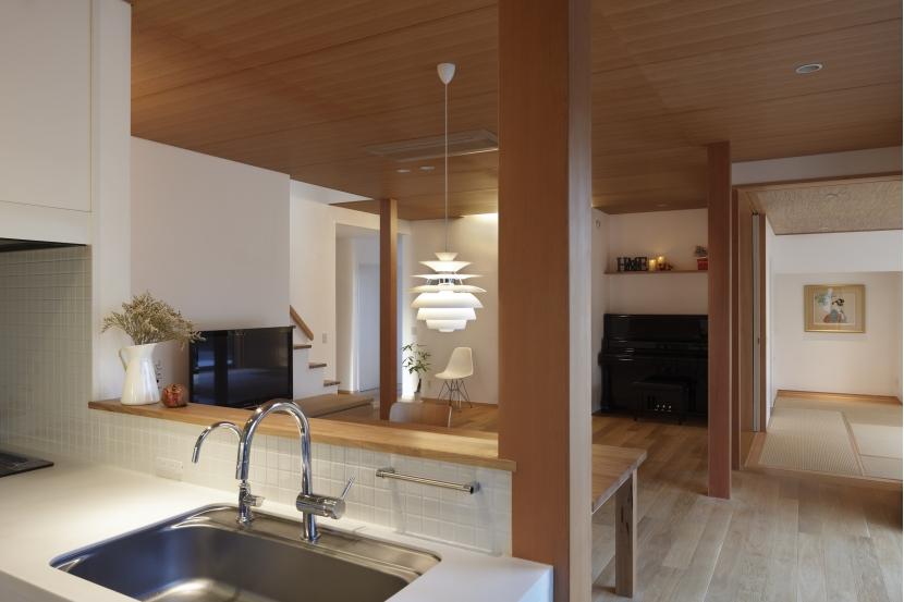 日本家屋のリノベーションの部屋 キッチンから