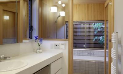 日本家屋のリノベーション (バスコートを持つ浴室)