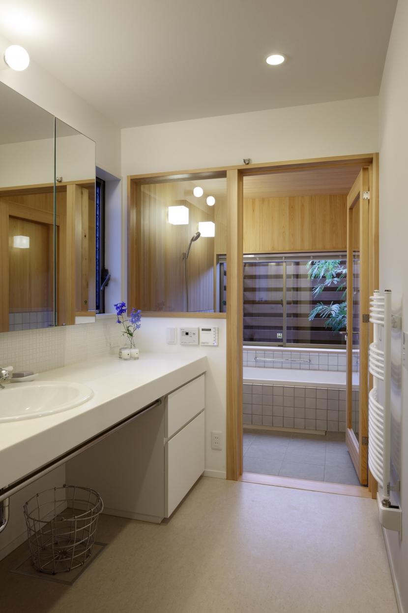 日本家屋のリノベーションの部屋 バスコートを持つ浴室