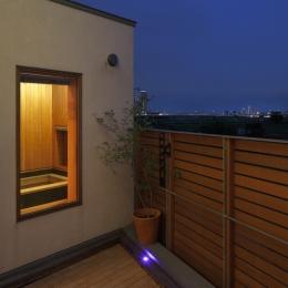 眺めの良いルーフテラスの家 (ルーフテラスからの夜景)