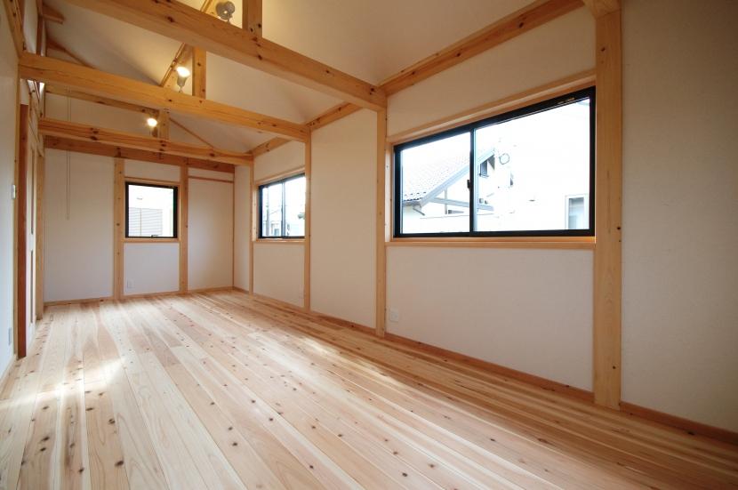岩槻の家の部屋 天井の高い部屋