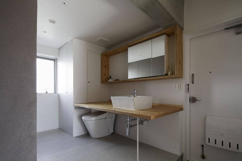 「シキリの形」-鶴川のリノベーション-の写真 トイレ