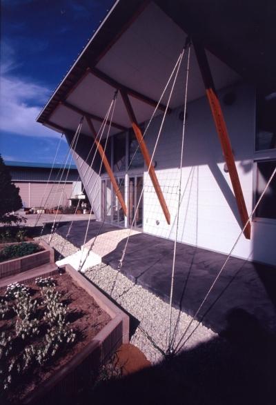 大発コミュニティースペース (ギャラリー+研究室) (壁面緑化)