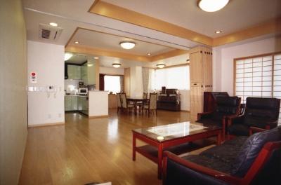 地下+地上1階診療所。2・3階住宅-Y (居間)