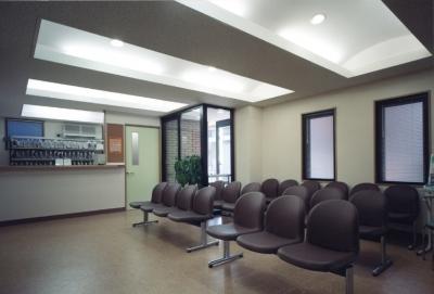 地下+地上1階診療所。2・3階住宅-Y (待合室)