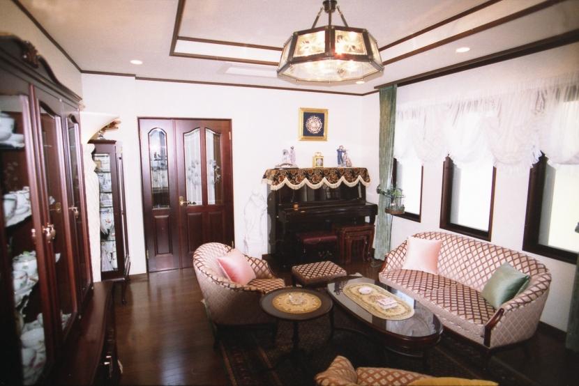 都心地住宅街のRC地下室ありの戸建住宅-Mの部屋 応接室