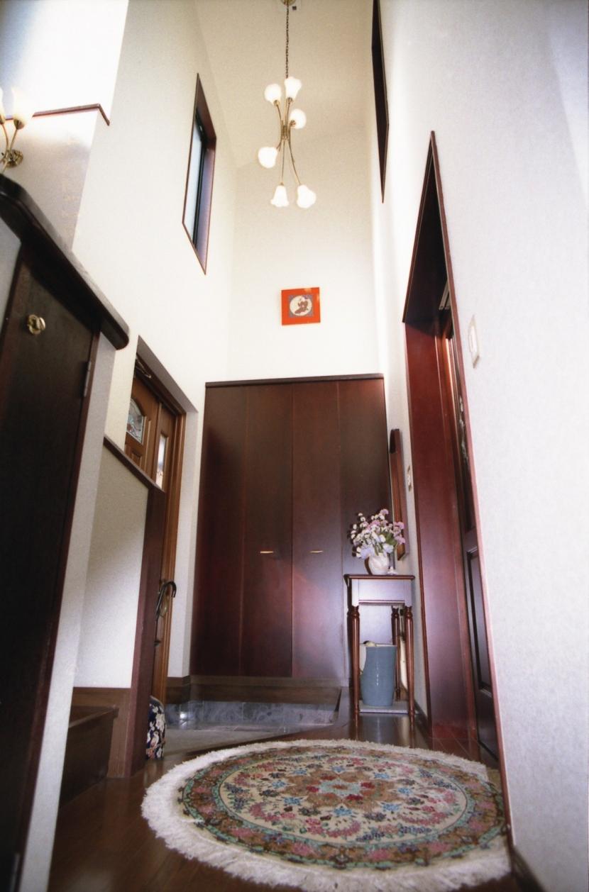 都心地住宅街のRC地下室ありの戸建住宅-Mの部屋 玄関