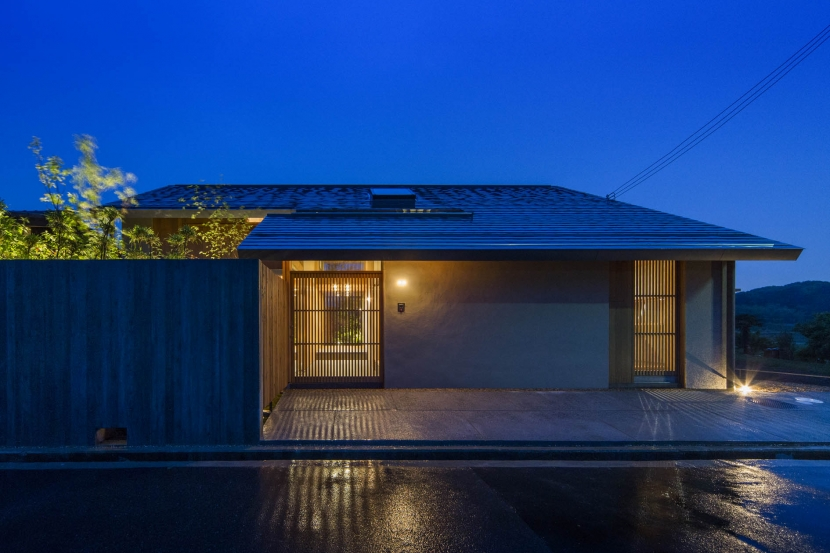 夕景 (加古川の住宅)